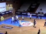 """Баскетболистите загубиха  първия плейоф срещу сините. Вторият мач е утре в зала """"Диана"""""""